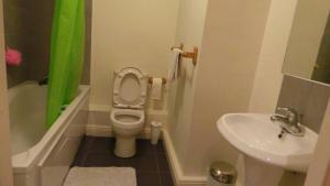 Belfry CityWest Apartment, Apartmanok  Citywest - big - 10