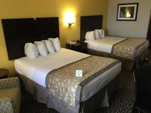 Queen Room with Two Queen Beds - Non Smoking