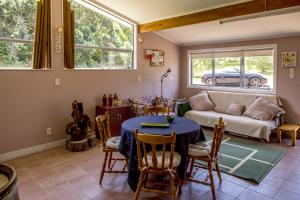 Kowhai Close Accommodation, Guest houses  Oneroa - big - 36