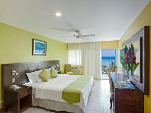 Coconut Court Beach Hotel (7 of 31)