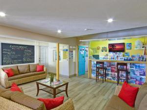 Coconut Court Beach Hotel (8 of 31)