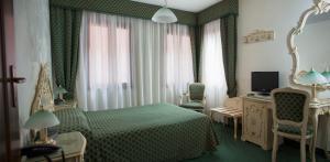 Hotel Commercio & Pellegrino - AbcAlberghi.com