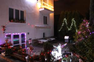 Villa Anastazis - Penzion Eden, Guest houses  Karlovy Vary - big - 107