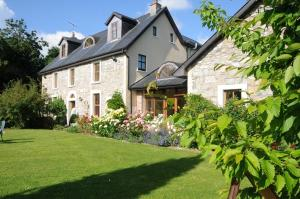 Grove Wellness Centre B&B, Bed and Breakfasts  Shanballymore - big - 1
