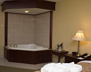 King Room with Whirlpool - Non-Smoking