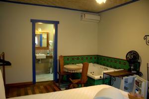 Double Room with Spa Bath- ground Floor