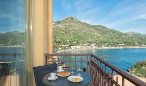 Panoramic Apartments Taormina Mazzarò, Апартаменты  Таормина - big - 33