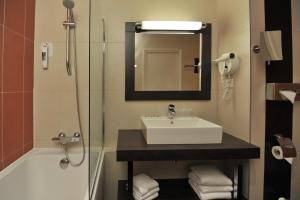 Mercure Maurepas Saint Quentin, Hotely  Maurepas - big - 12