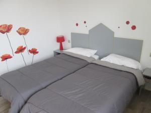 Hotel du Soleil Bleu, Szállodák  Istres - big - 3