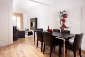 Two-Bedroom Apartment - Consejo de Ciento
