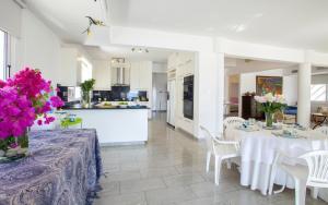 Sunset Meneou Villa, Дома для отпуска  Периволия - big - 25