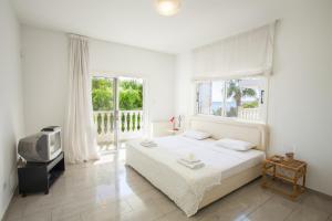 Sunset Meneou Villa, Дома для отпуска  Периволия - big - 26