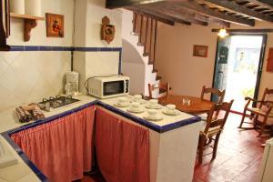 TUGASA Casas Rurales Castillo de Castellar, Vidiecke domy  Castellar de la Frontera - big - 2