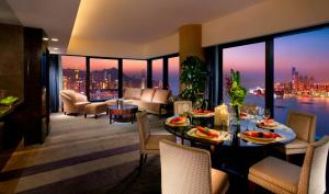 Premier King or Twin Suite with Harbour View
