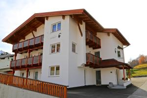 Ladis Living, Apartmanok  Ladis - big - 10