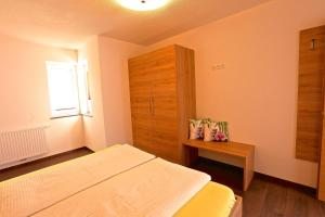Ladis Living, Apartmanok  Ladis - big - 17