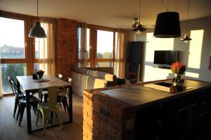 Stay-In Riverfront Lofts, Апартаменты  Гданьск - big - 17