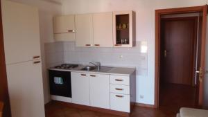 Apartment House Nono, Apartments  Povljana - big - 29
