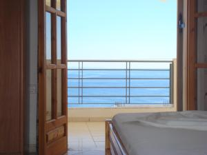 Ionian View, Apartments  Himare - big - 33