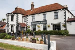 Berkshire Arms by Good Night Inns
