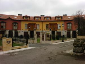 Apartamentos & Chalet - El Bosquin