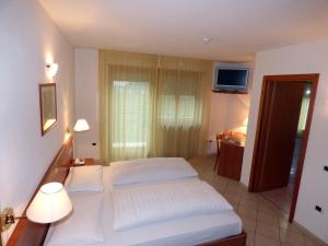 Hotel Goldenhof, Hotels  Auer - big - 3