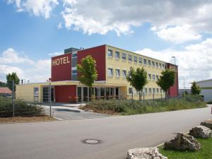 iQ-Hotel