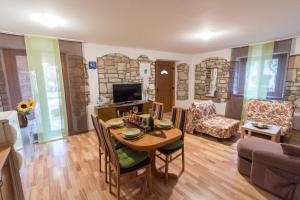 Apartment Stancija Rosello, Appartamenti  Novigrad Istria - big - 9