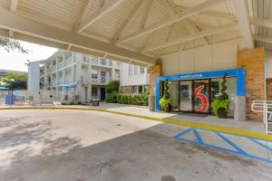Motel 6 Houston West
