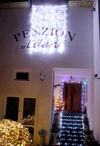 Villa Anastazis - Penzion Eden, Guest houses  Karlovy Vary - big - 96