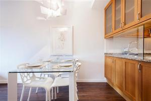 Friendly Rentals Gaudi Dream, Apartments  Barcelona - big - 4