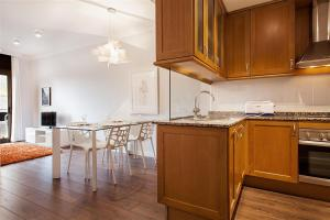 Friendly Rentals Gaudi Dream, Apartments  Barcelona - big - 5