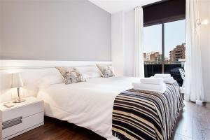 Friendly Rentals Gaudi Dream, Apartmanok  Barcelona - big - 7