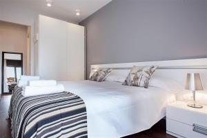 Friendly Rentals Gaudi Dream, Apartmanok  Barcelona - big - 8