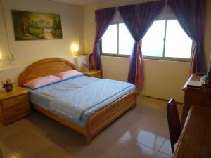 Sun Moon Star Hostel, Проживание в семье  Budai - big - 5