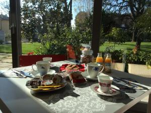La Veranda Sul Giardino, Отели типа «постель и завтрак»  Коринальдо - big - 24