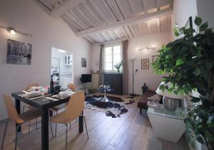 Apartments Florence Pandolfini Roof, Apartmány  Florencie - big - 2
