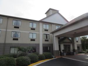 Baymont Inn & Suites Fort Jackson