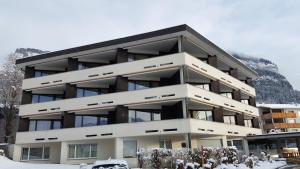Alpen-Fewo, Residenza Quadra 225, Apartments  Flims - big - 9