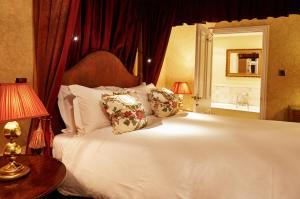 Ockenden Manor Hotel & Spa (13 of 52)
