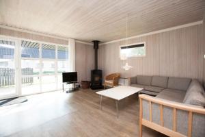 Ho Three-Bedroom Apartment 04, Üdülőparkok  Blåvand - big - 38