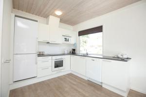 Ho Three-Bedroom Apartment 04, Üdülőparkok  Blåvand - big - 39