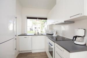 Ho Three-Bedroom Apartment 04, Üdülőparkok  Blåvand - big - 42