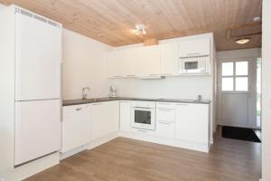 Ho Three-Bedroom Apartment 03, Holiday parks  Blåvand - big - 17