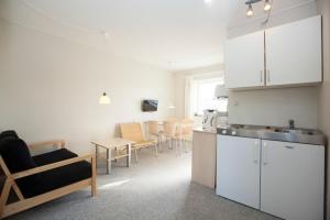Ho Three-Bedroom Apartment 03, Holiday parks  Blåvand - big - 10