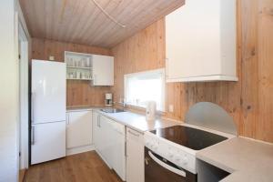 Ho Three-Bedroom Apartment 05, Dovolenkové parky  Blåvand - big - 34