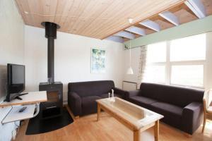 Ho Three-Bedroom Apartment 05, Dovolenkové parky  Blåvand - big - 23