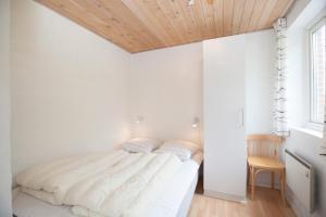 Ho Three-Bedroom Apartment 05, Dovolenkové parky  Blåvand - big - 22