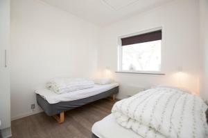 Ho Three-Bedroom Apartment 05, Dovolenkové parky  Blåvand - big - 12