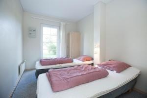 Ho Three-Bedroom Apartment 05, Dovolenkové parky  Blåvand - big - 10